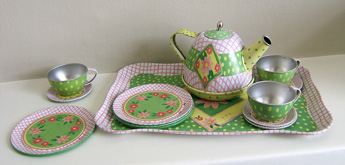 Mia_child_teaset