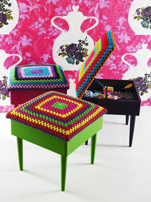 Crochet_stools_41123612