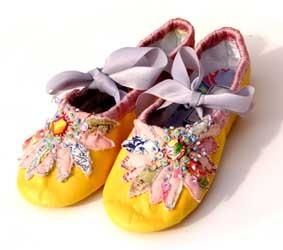 Yellowshoes_resize